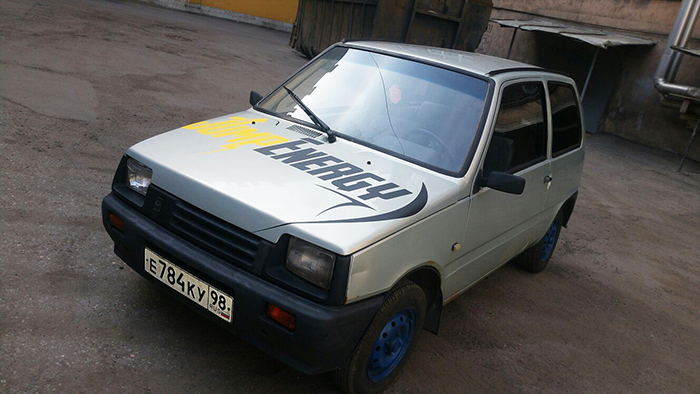 Brendirovanie-avtomobilya-Lada-Oka